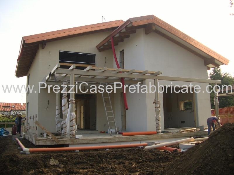 Prefabbricate case in legno coperture casa prefabbricata for Case prefabbricate muratura