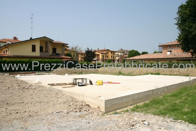 Prefabbricate prefabbricati case in legno tetto in legno for Villa prefabbricata prezzi