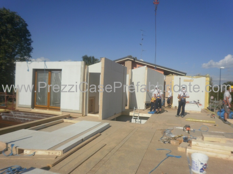 Vendita case prefabbricate in legno in muratura bioedilizia for Casa legno vs muratura