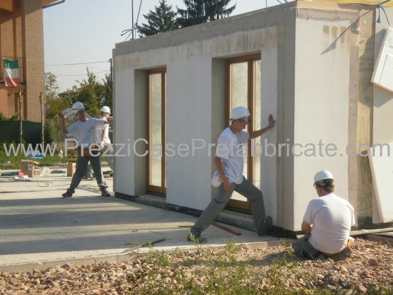 Ville prefabbricate case legno casa prefabbricata wood house for Creatore piano terra online
